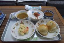 太陽保育園での玄米菜食の給食の画像